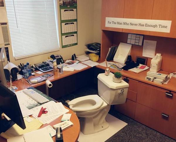 Жестокие офисные розыгрыши