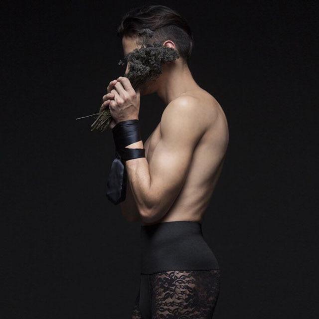 Кружевное белье для настоящих мужчин