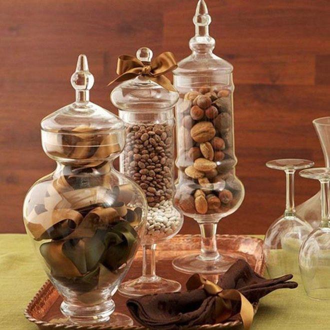 Осенний декор из орехов и желудей