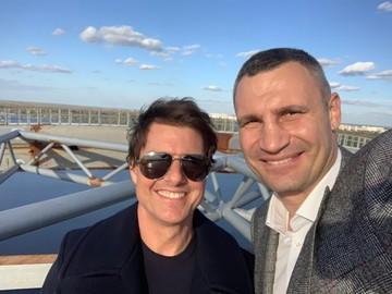 Виталий Кличко устроил Тому Крузу экскурсию по Киеву