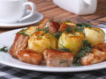 Мясо с молодой картошкой