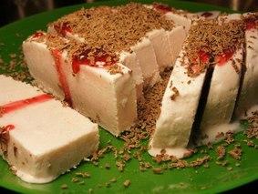 Домашнее мороженое из свежей клубники