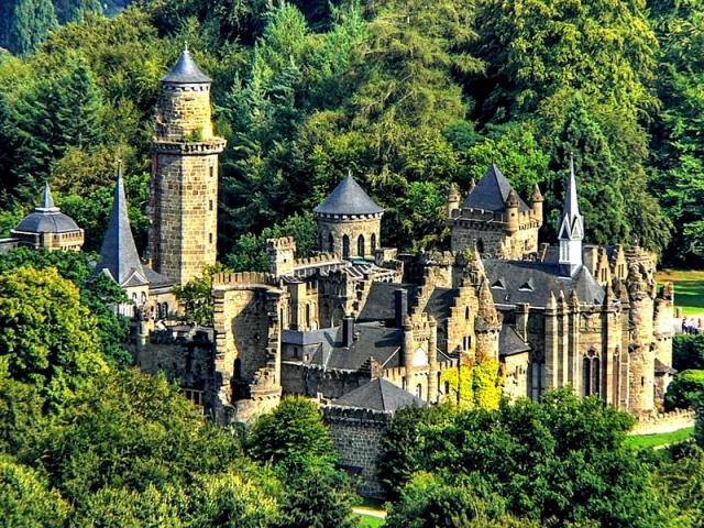 Самые красивые замки Европы. Замок Льва, Германия