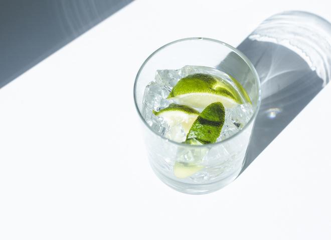 6 алкогольних напоїв з серіалів і кіно, які ти можеш зробити вдома