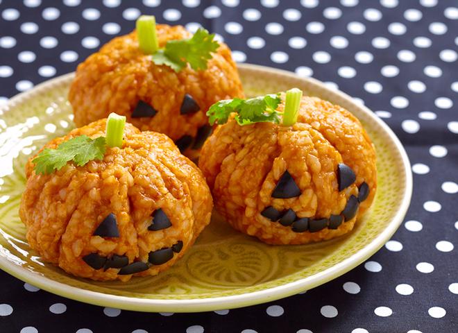 Рецепты на Хэллоуин: готовим рисовые тыковки
