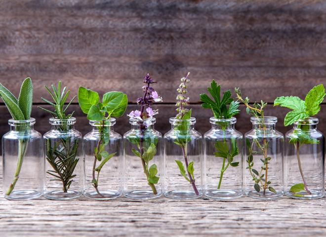 5 способів використовувати ефірні олії в догляді за собою