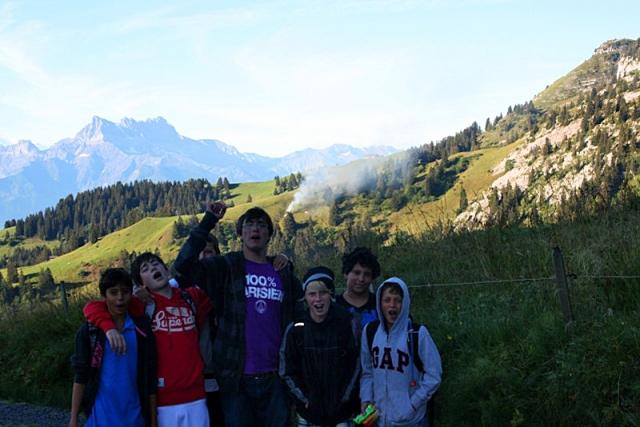 Как избавиться от ребенка на лето: отправить в детский лагерь в Швейцарию
