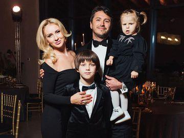 Сергій Притула з дружиною і сином