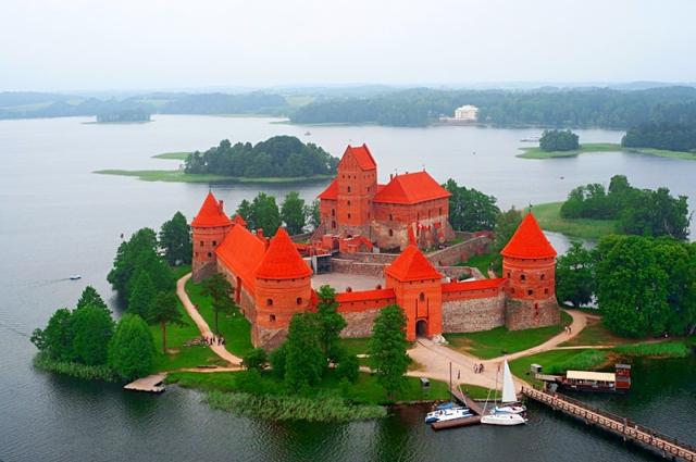 Достопримечательности Литвы: Тракайский замок
