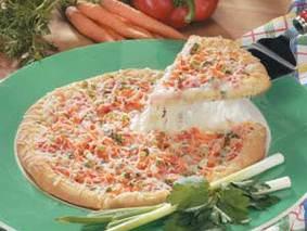 Вегетарианская пицца с перцем и морковью