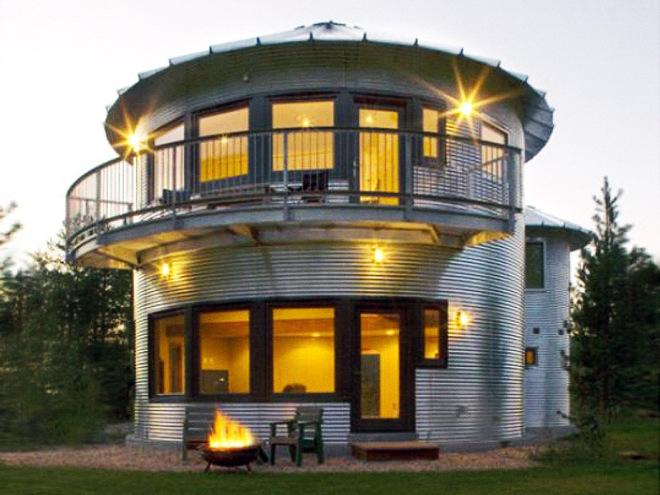 Самые необычные дома в мире, построенные из ненужных вещей