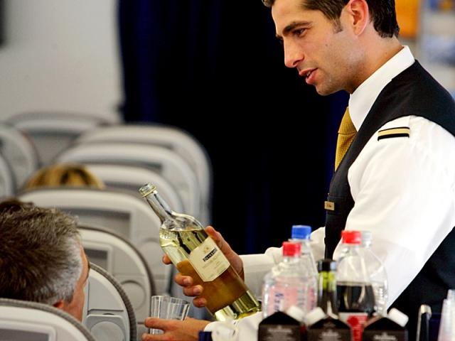 Алкоголь на борту літака