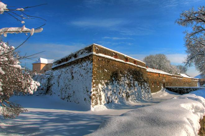 Ужгородський замок в снігу