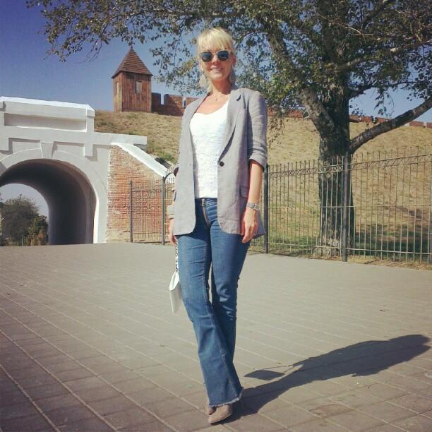 Фото валерии в джинсах