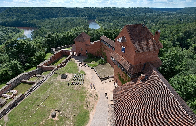 Сігулда: Сигулдського середньовічний замок