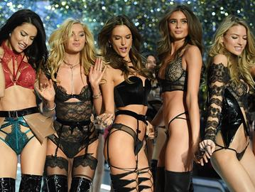 5 найбільш сексуальних комплектів білизни з показу Victoria's Secret Fashion Show 2016
