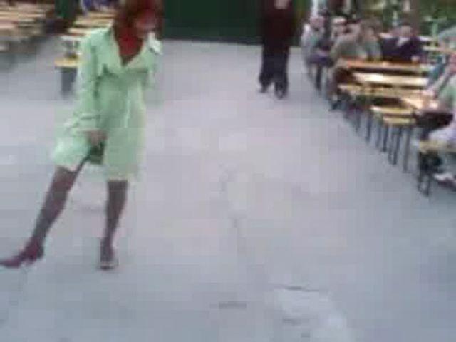Худая проследил за девушкой видео проститутки
