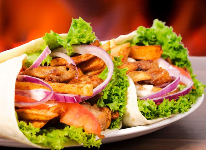 Шаурма, лаваш, капуста, морковь, помидоры, огурец, мясо, лук, соус