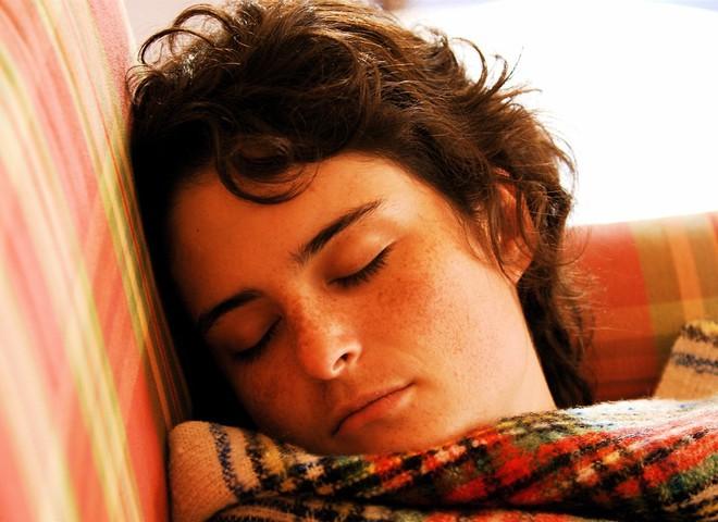 Ударь по гриппу крепким сном и хорошей едой!