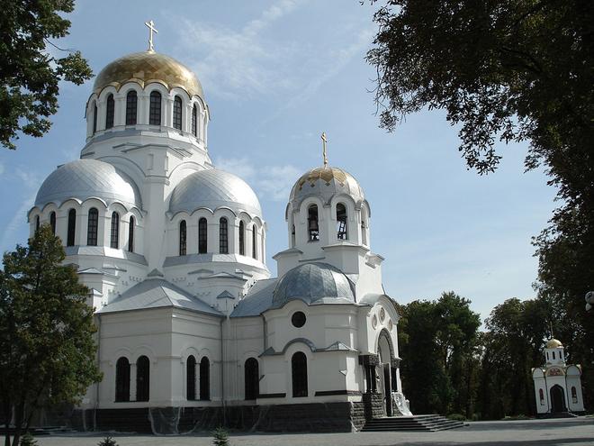 Каменец-Подольский, достопримечательности: Александро-Невский собор