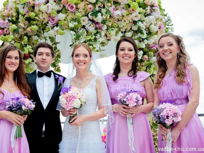 Свадебные эксперт: как должны быть одеты свидетели на свадьбе