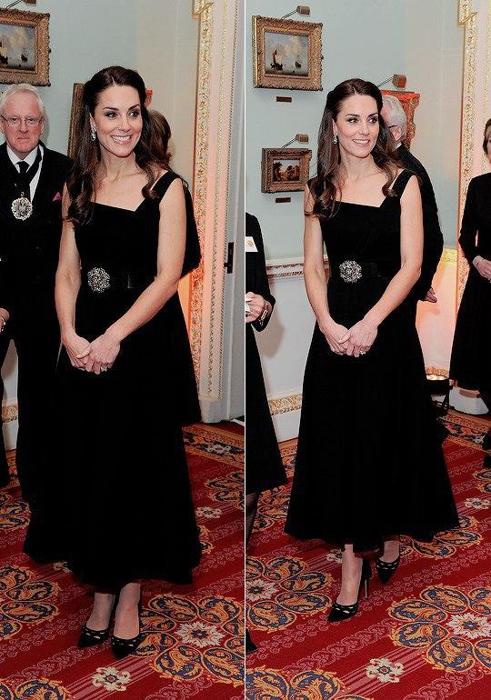 Королевская элегантность: Кейт Миддлтон сменила два образа за день