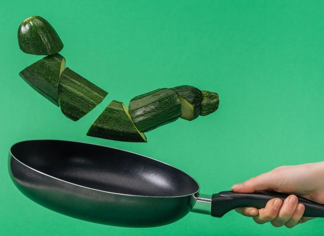 Кабачковая икра на сковороде