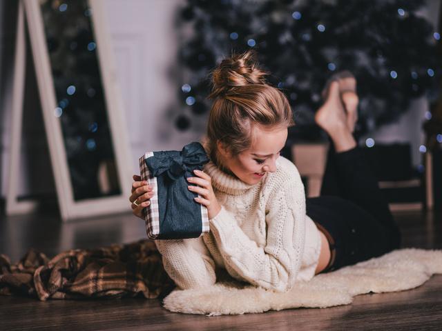Какой можно сделать подарок маме в домашних условиях