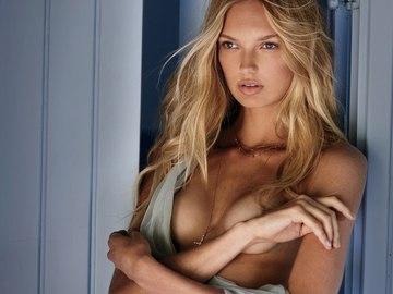 """""""Ангел"""" Victoria's Secret Роми Страйд в фотосессии для Maxim"""
