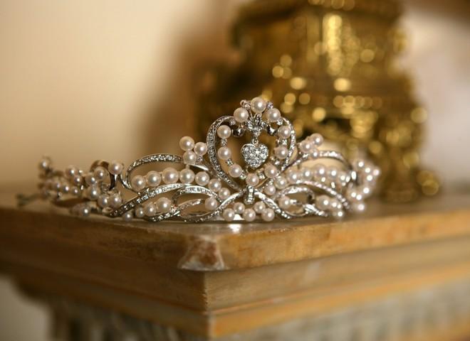 Самую дорогую корону продадут с аукциона