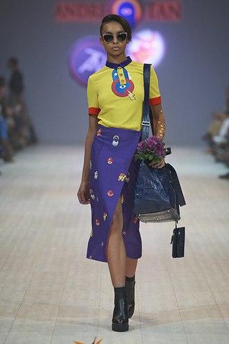 Смелый ход: юбки с разрезом для соблазнительного летнего образа