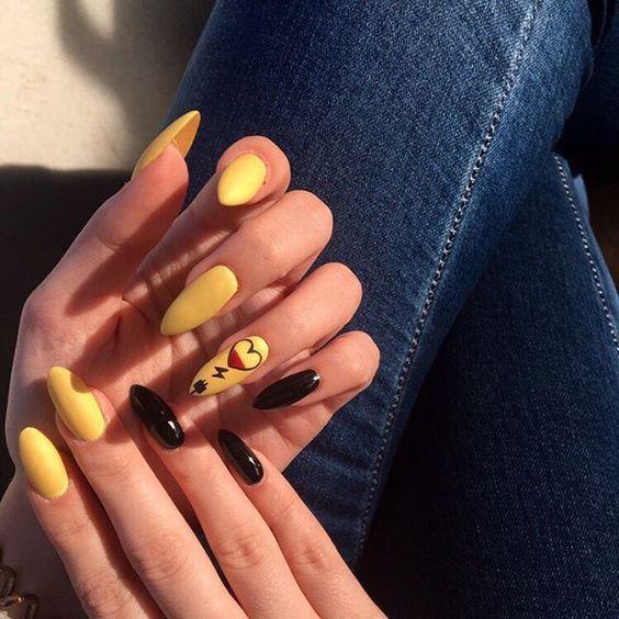 20 идей желтого маникюра на весну
