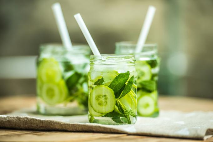 Лимонад з огірком: чому його варто спробувати і як зробити напій чарівним