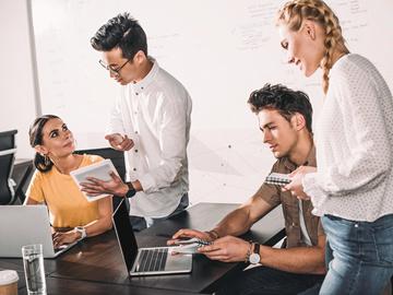 7 речей, за які не можна засуджувати колег