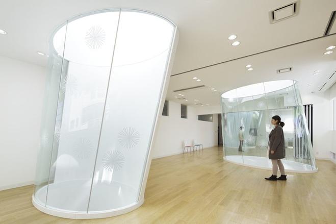 яркий банк в японии