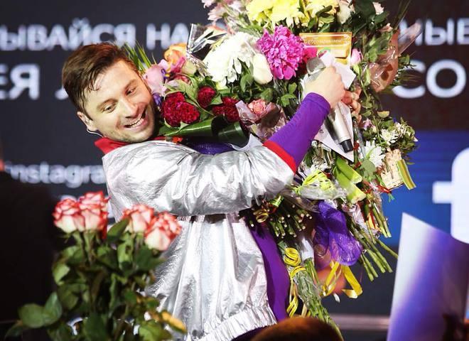 Сергій Лазарєв впав в оркестрову яму (відео)