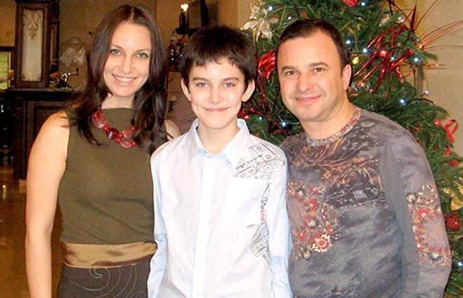Виктор Павлик с женой Ларисой и сыном Павлом