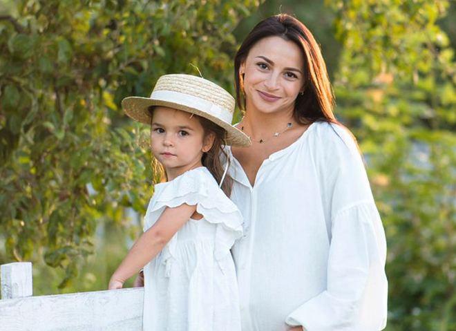 Илона Гвоздева с дочерью