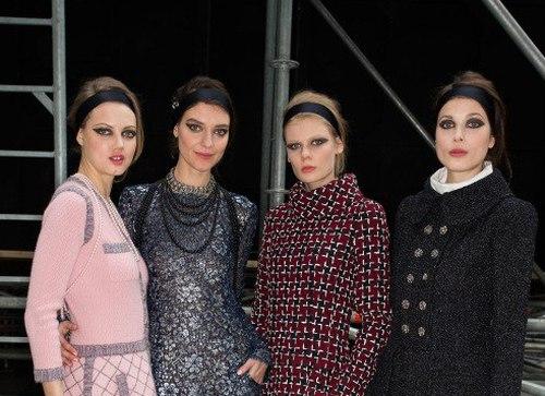 Б'юті-образ моделей з показу Chanel Осінь 2015