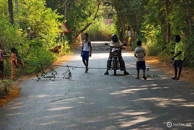 Розводи туристів в Індії: розвід «стій, хто йде»