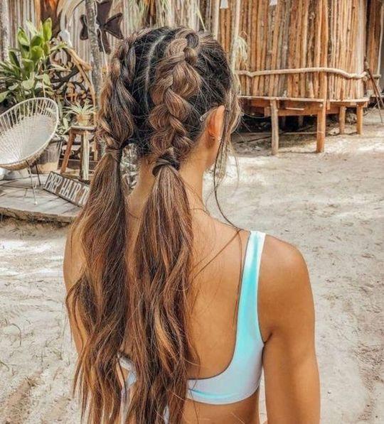 Стильные причёски на пляж 2021