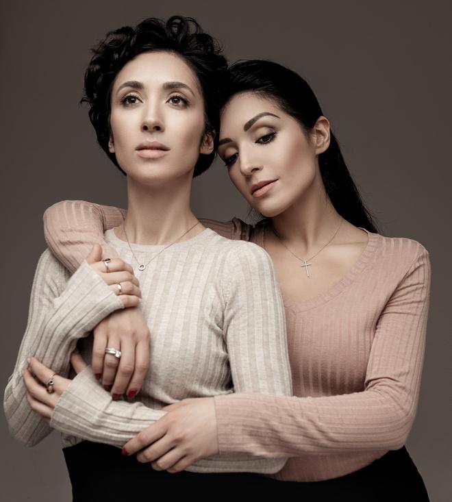 The Alibi Sisters - Анна и Ангелина Завальские