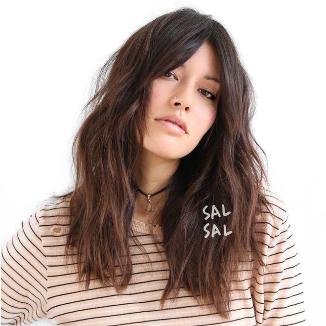 Модные женские стрижки, которые добавят волосам объем