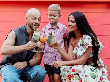 Влад Яма с сыном Леоном и женой Лилианой
