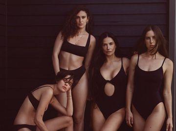 Демі Мур з дочками в рекламній кампанії купальників