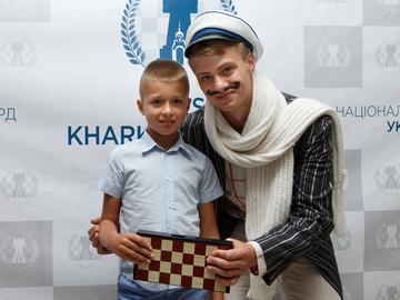 У готелі Ярославського пройшов наймасовіший шаховий турнір в історії України