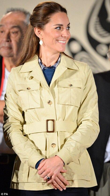 Кейт Миддлтон в Канаде: в поездке герцогиня носит масс-маркет