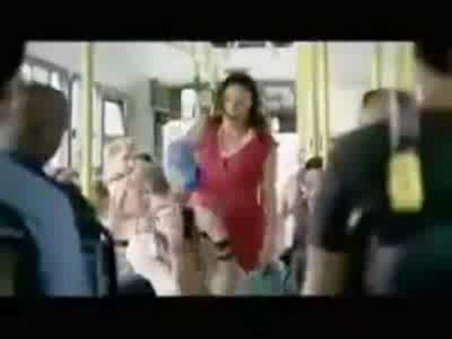 Разделась в трамвае видео онлайн — pic 13