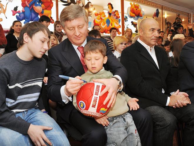Рінат Ахметов, Ігор Крутой