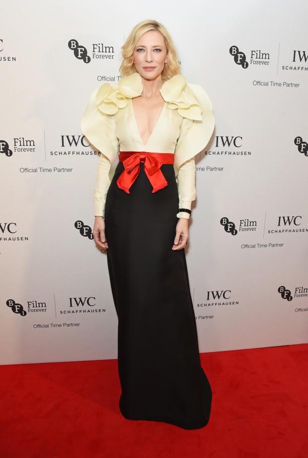 Образ дня: Кейт Бланшет в платье от Gucci